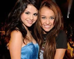 Selena Gomez Miley Cyrus