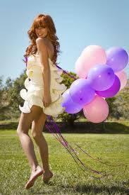 porque se ve linda con globos