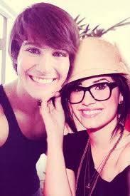 James y Demi Lovato