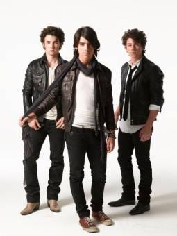 jonas brothers ( JB )