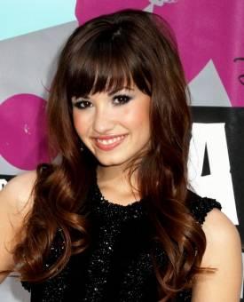 Sus padres son: Patrick Lovato y Danna Hart de la Garza