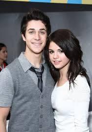 Pareja 2 Selena Gomez y David Herny