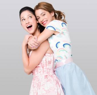 Violetta y Francesca (Martina Stoessel y Lodovica Comello)