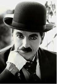 Charlie Chaplin ( GENIO )