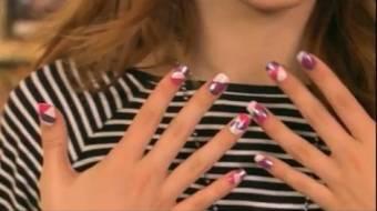 Por sus lindas uñas