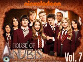 Nickelodeón - House Of Anubis.