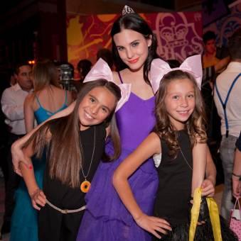 Manzana, Leonora y Cristina