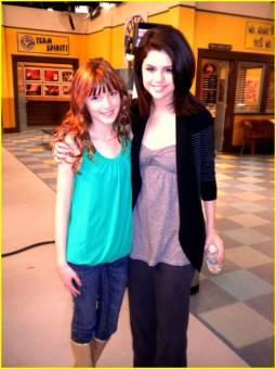 Selena y Bella