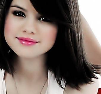 Selena Gomez  eS  Hermosa Canta Hermoso
