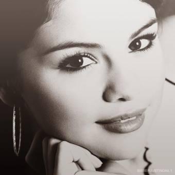 Selena Gómez (Alex Russo)