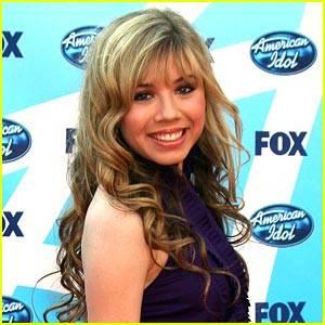 Jennette Mccurdy (Sam)