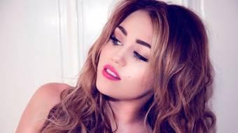 Miley Cyrus (IDOLA,LA MEJOR)