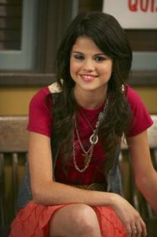Selena Gomez Actuando.