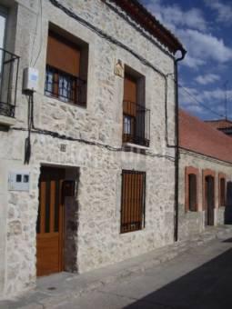 El Aral     link: http://www.casaruralelaral.es.tl/